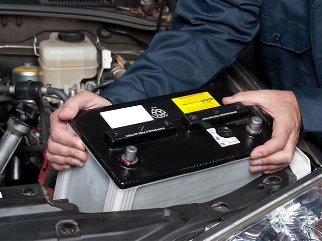 Cambio batería de coche en Madrid